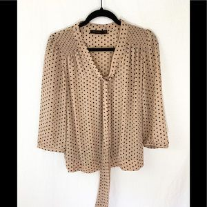 ❤️ 3/20 The limited polka dot blouse